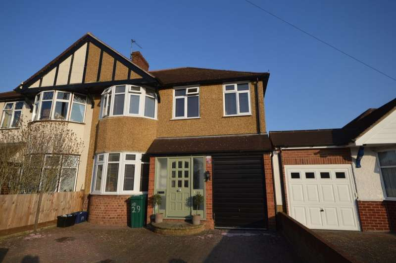4 Bedrooms Semi Detached House for sale in Pembridge Avenue, Whitton, Twickenham, TW2
