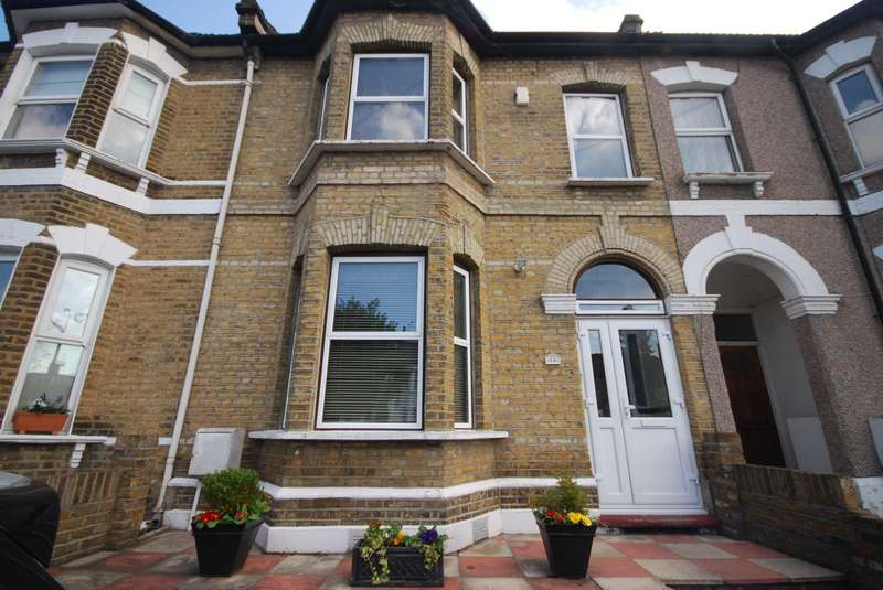 5 Bedrooms House for sale in Fairlop Road, London