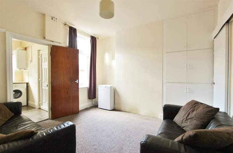 3 Bedrooms Terraced House for rent in Neill Road, Sheffield, S11 8QH