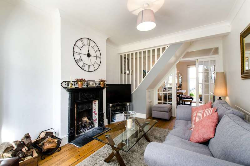 2 Bedrooms Terraced House for sale in Meopham Road, Streatham Vale, CR4