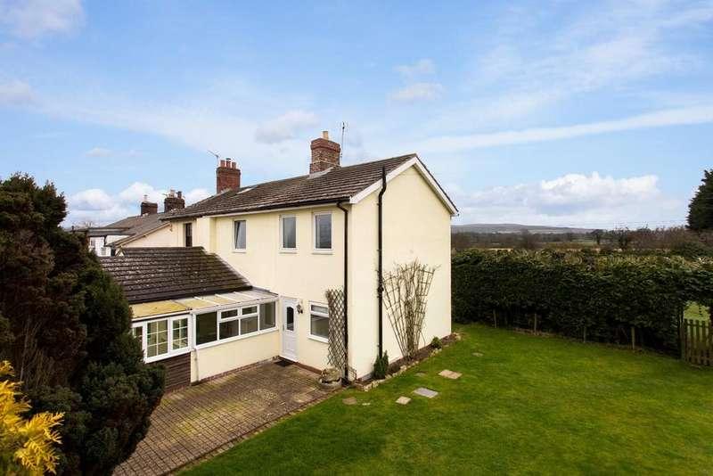 3 Bedrooms House for sale in 1 Railway Cottages, West Knapton, Malton