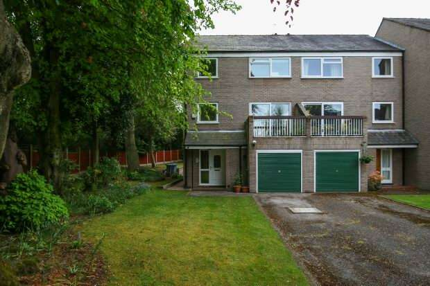 4 Bedrooms Town House for sale in Dunham Rise, Altrincham