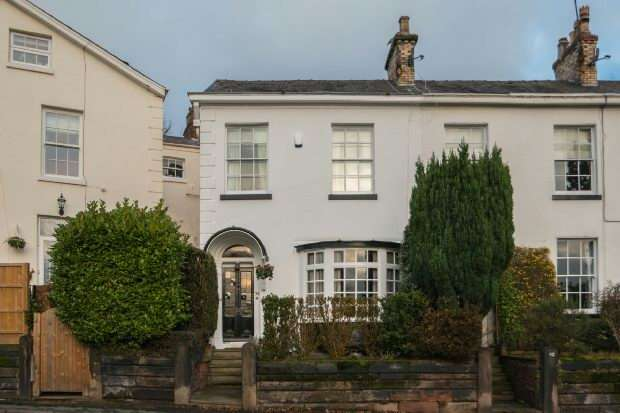 3 Bedrooms End Of Terrace House for sale in Langham Road, Bowdon