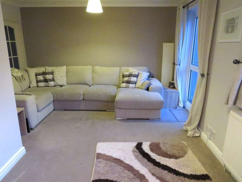 3 Bedrooms Semi Detached House for sale in Tamar Close, Pontllanfraith, Blackwood