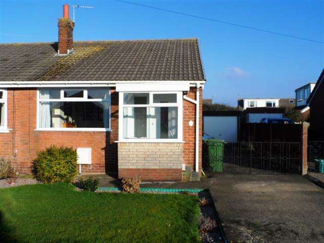 2 Bedrooms Property for sale in Coniston Avenue, Knott End On Sea, FY6 0DR