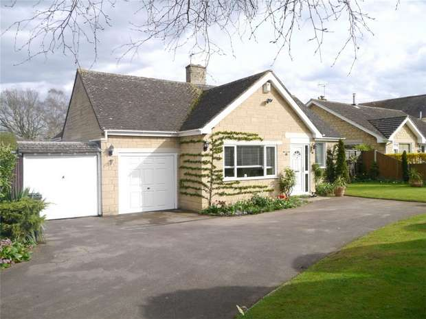 2 Bedrooms Detached Bungalow for sale in Blenheim Drive, Bredon, Tewkesbury