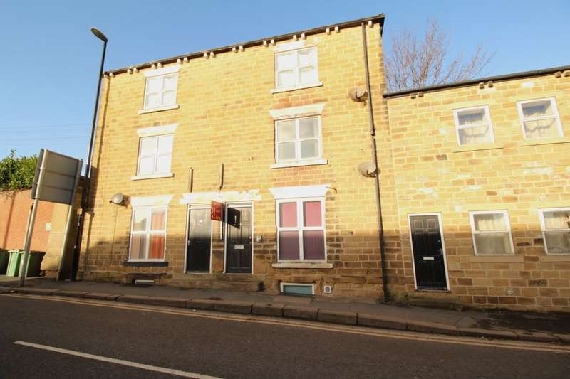 1 Bedroom Flat for sale in High Street, Morley, Leeds, LS27