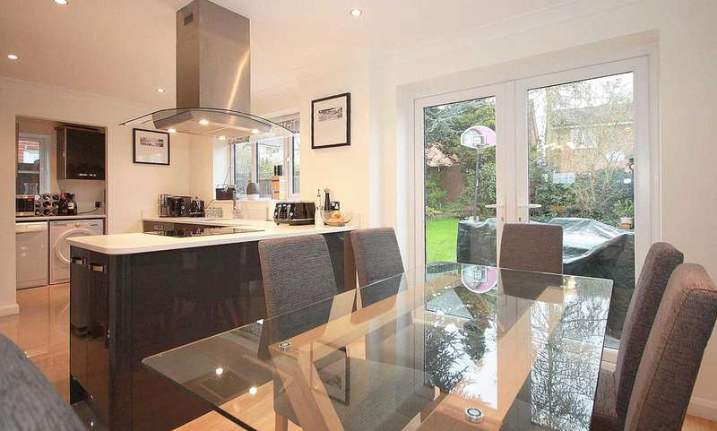 4 Bedrooms Detached House for sale in 4 BED EXECUTIVE DETACHED IN HP1..