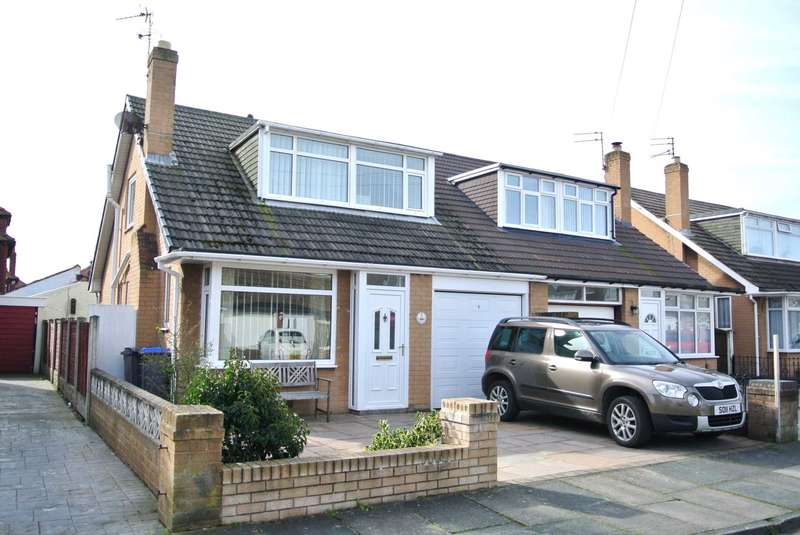 3 Bedrooms Semi Detached House for sale in Glencross Place, Blackpool, FY4 5AD