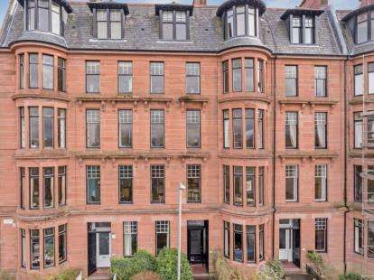 4 Bedrooms Flat for sale in Garrioch Road, North Kelvinside