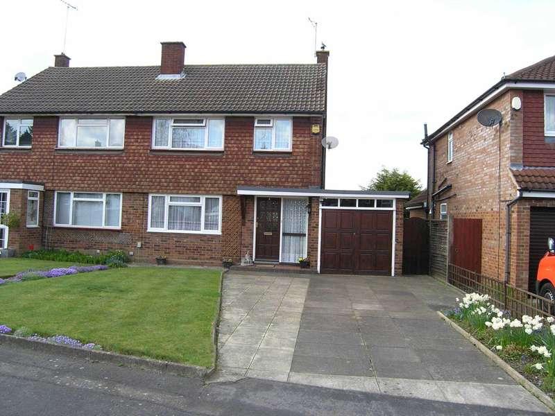 3 Bedrooms Semi Detached House for sale in Cornfield Road, Bushey