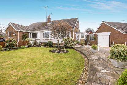 3 Bedrooms Bungalow for sale in St. Davids Road, Leyland, Preston, Lancashire