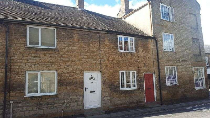 2 Bedrooms Terraced House for sale in Hermitage Street, Crewkerne