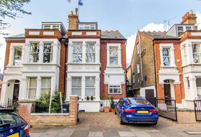 2 Bedrooms Flat for sale in Beverley Road, Chiswick