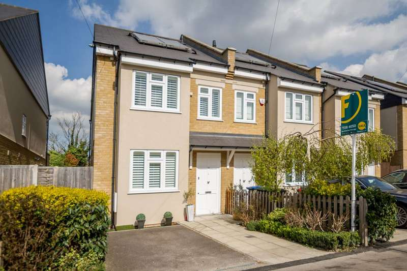3 Bedrooms House for sale in Highfield Road, Winchmore Hill, N21