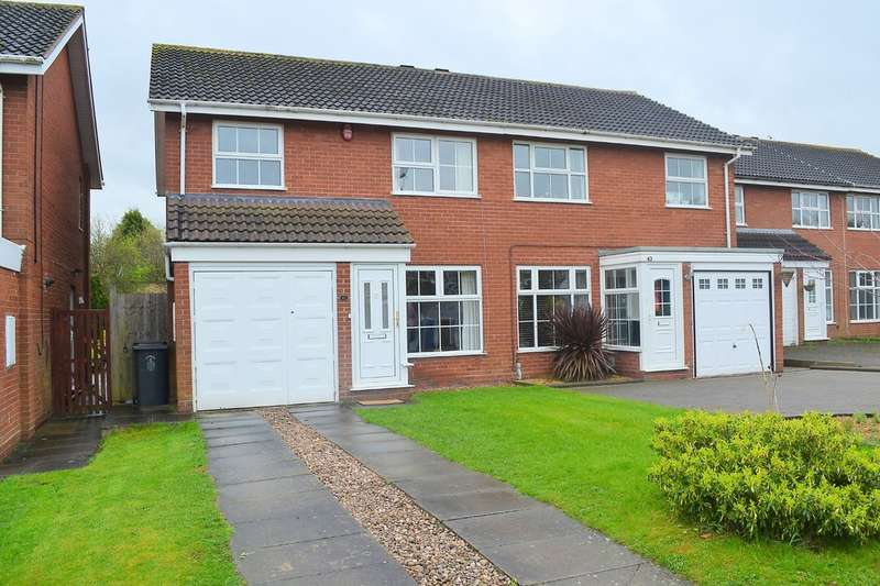 3 Bedrooms Semi Detached House for sale in Norwich Close, Lichfield