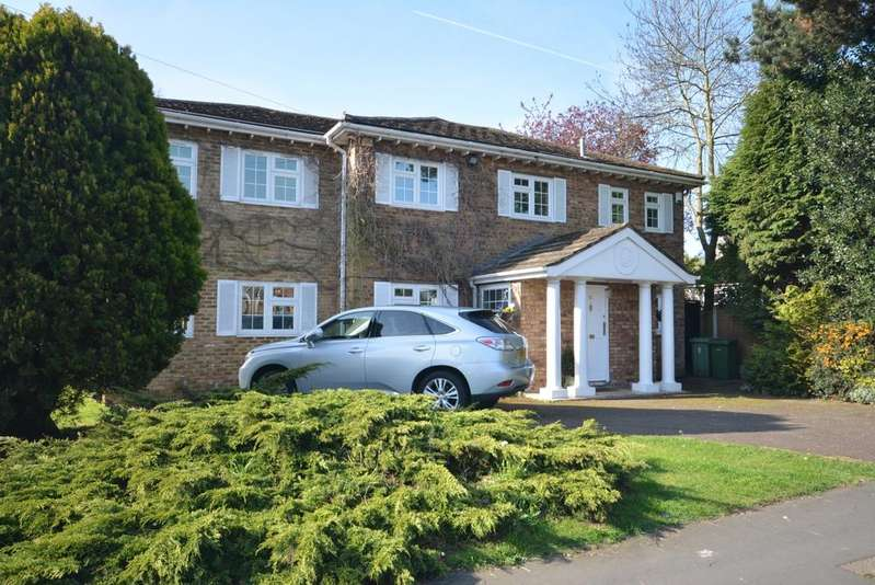 5 Bedrooms Detached House for sale in Herbert Road, Emerson Park, Hornchurch RM11