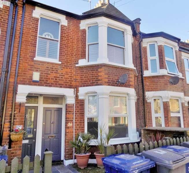 2 Bedrooms Flat for sale in oak Grove, London, London, NW2