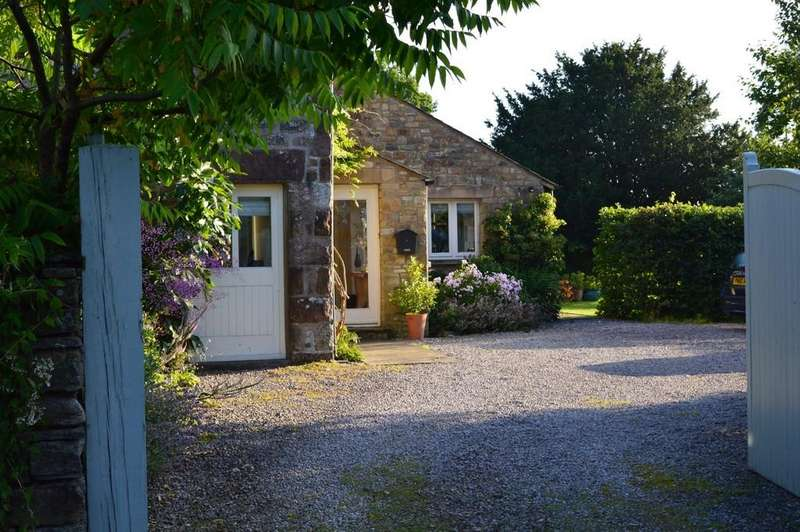 4 Bedrooms Barn Conversion Character Property for sale in Yew Tree Barn, Hutton Roof, LA6 2PG