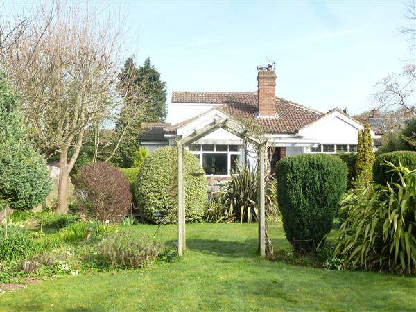 3 Bedrooms Bungalow for sale in Marburg, Southmead, Winscombe