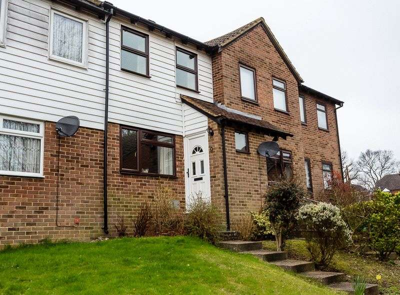2 Bedrooms Property for sale in Sheraton Court, Chatham