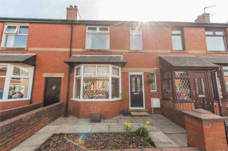 3 Bedrooms Terraced House for sale in Hampton Grove, Bury, Lancashire