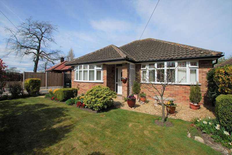 2 Bedrooms Detached Bungalow for sale in Saughall Road, Chester
