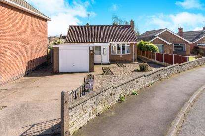 3 Bedrooms Bungalow for sale in Midfield Road, Kirkby-In-Ashfield, Nottingham, Notts