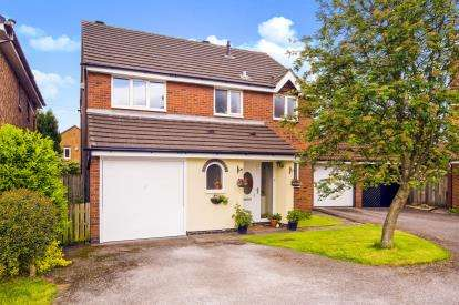 4 Bedrooms Detached House for sale in Brackenbury Close, Lostock Hall, Preston, Lancashire, PR5