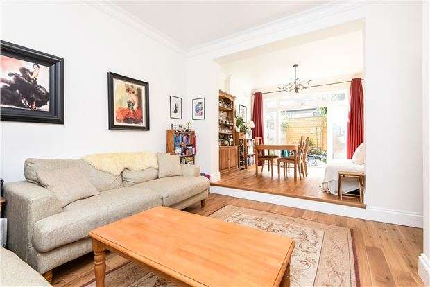2 Bedrooms Maisonette Flat for sale in Salford Road, LONDON, SW2