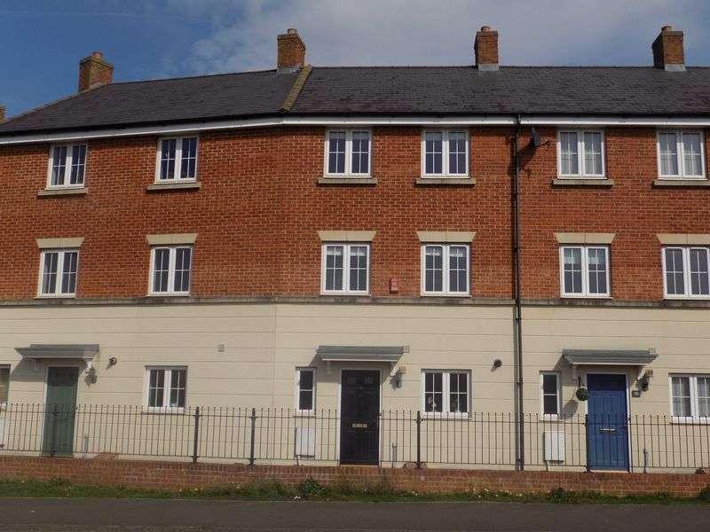 3 Bedrooms Terraced House for sale in Queen Elizabeth Drive, Swindon