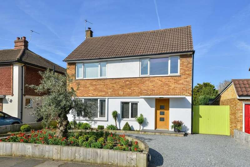 3 Bedrooms Detached House for sale in Homemead Road, Bickley, BR2