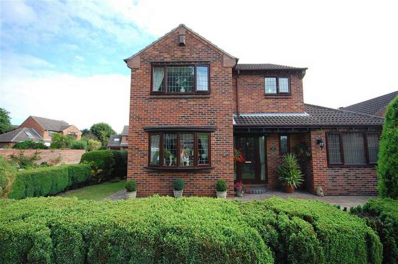 4 Bedrooms Detached House for sale in Park Lane, Kippax, Leeds, LS25