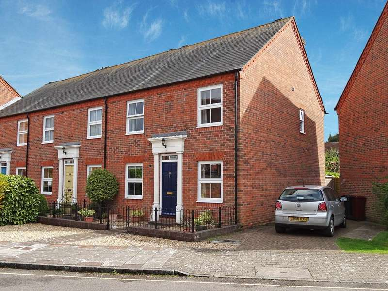 4 Bedrooms Terraced House for sale in Henty Gardens, Chichester PO19