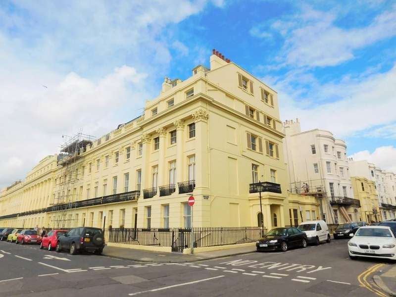 2 Bedrooms Apartment Flat for sale in Brunswick Terrace, Hove