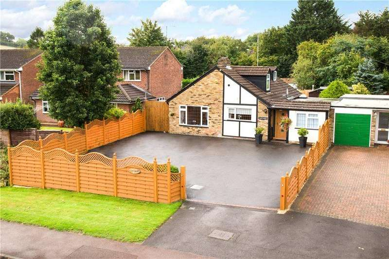 3 Bedrooms Detached Bungalow for sale in Wycombe Road, Saunderton, High Wycombe, Buckinghamshire