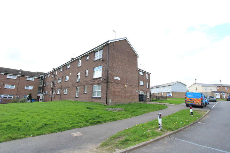 1 Bedroom Flat for sale in Hazlebarrow Crescent, Jordonthorpe