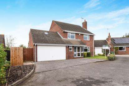 5 Bedrooms Detached House for sale in Butt Furlong, Fladbury, Pershore, Worcestershire
