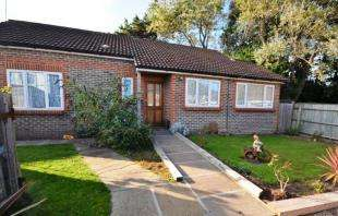 3 Bedrooms Bungalow for sale in Shripney Road, Bognor Regis