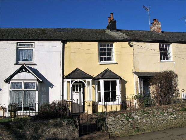 2 Bedrooms Terraced House for sale in Essington, North Tawton
