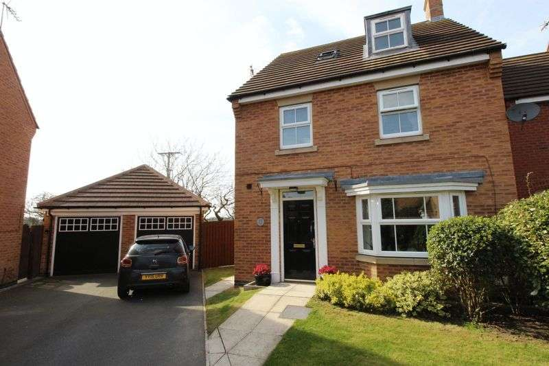 4 Bedrooms Detached House for sale in Cormorant Close, Filey