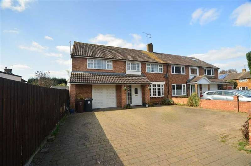 4 Bedrooms Semi Detached House for sale in Morris Way, London Colney