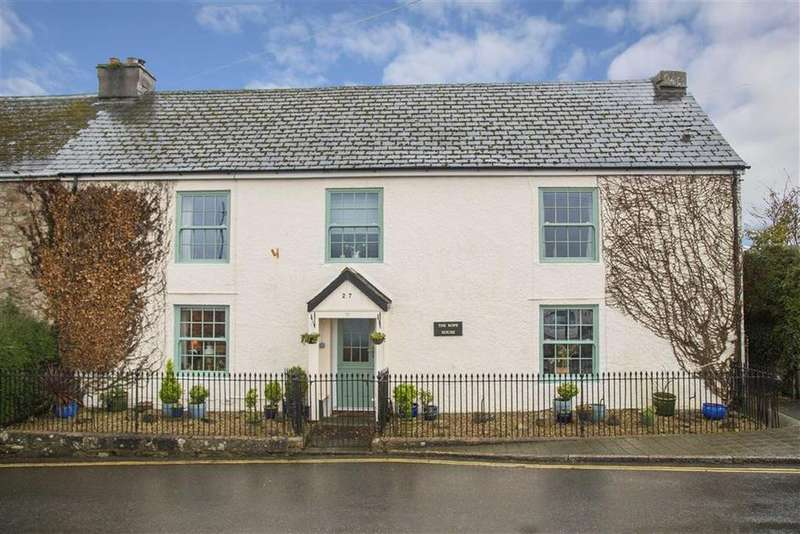 4 Bedrooms Semi Detached House for sale in Court Street, Moretonhampstead, Newton Abbot, Devon, TQ13