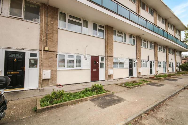 2 Bedrooms Maisonette Flat for sale in Northbrooks, Harlow, CM19