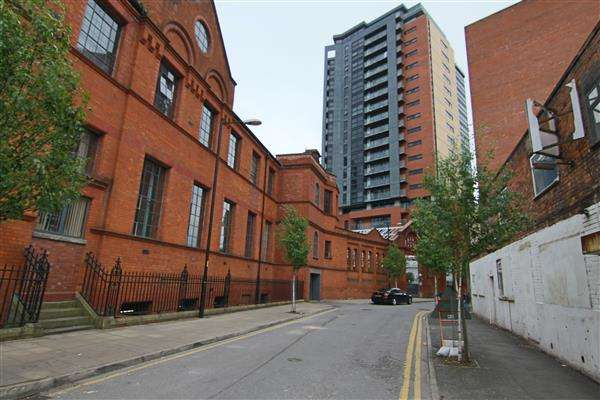 3 Bedrooms Apartment Flat for sale in Sorting Office, 7 Mirabel Street, Mancester