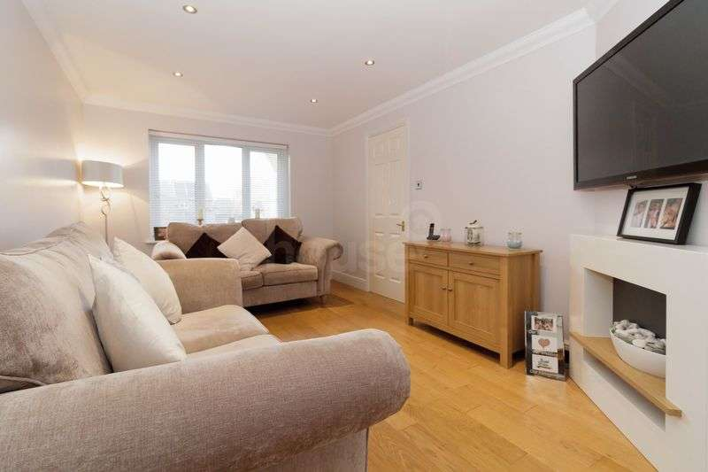 3 Bedrooms Terraced House for sale in Anne Boleyn Close, Eastchurch