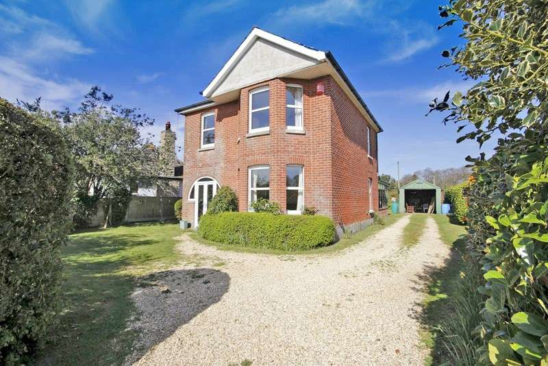4 Bedrooms Detached House for sale in Ringwood Road, Sopley, Christchurch