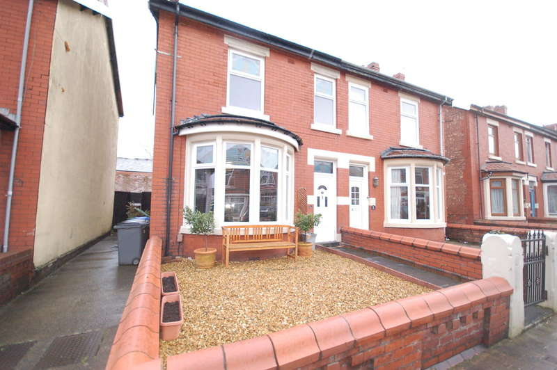 2 Bedrooms Semi Detached House for sale in Kirkham Avenue, Blackpool