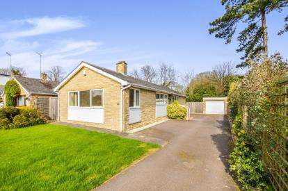 3 Bedrooms Bungalow for sale in Cavendish Place, Stratton Audley, Bicester, Oxfordshire