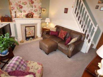 2 Bedrooms Terraced House for sale in Brockenhurst Street, Burnley, Lancashire, BB10